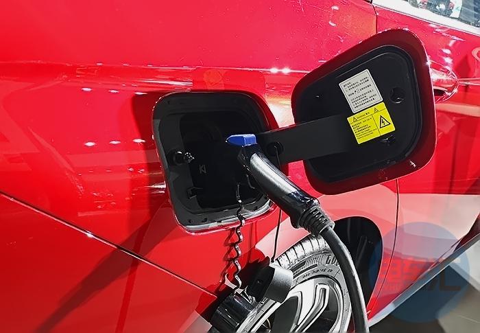 6月份美国市场纯电动汽车续航里程、售价汇总