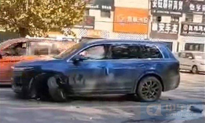 无人员受伤,理想汽车辅助驾驶发生碰撞