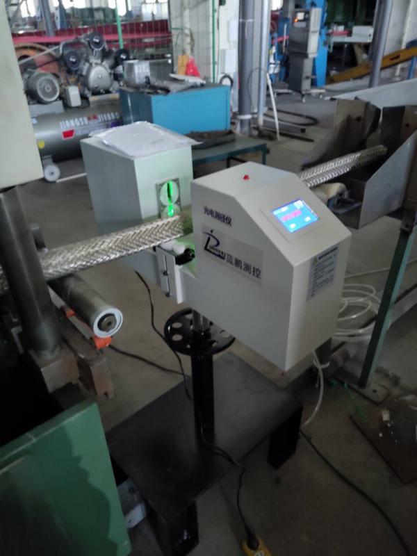 基于PID系统的单向测径仪具备自动控制功能