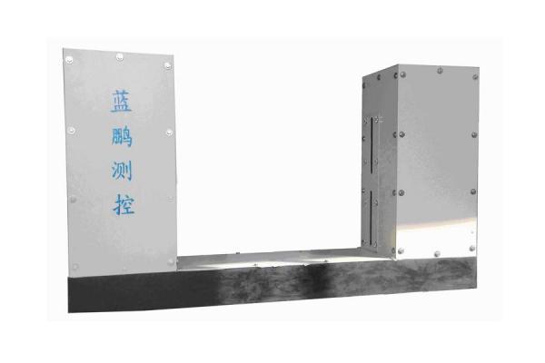 采用多种高新技术融合而成的板材测宽仪带来高质量生产