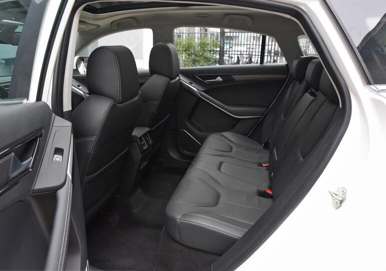 定位紧凑SUV,与驭胜S330车身接近,福特领界空间有啥看点