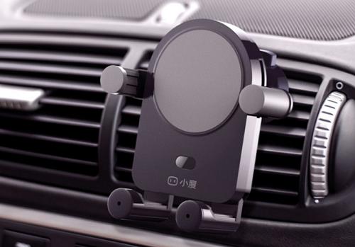 """百度推出""""小度""""车载支架,除了AI智能还有万元苹果机标配的无线充电"""