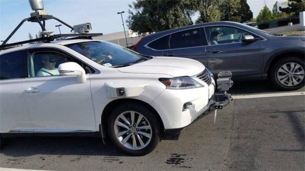 """苹果自动驾驶献出""""一血"""",自动驾驶事故频发,怪监管还是技术?"""
