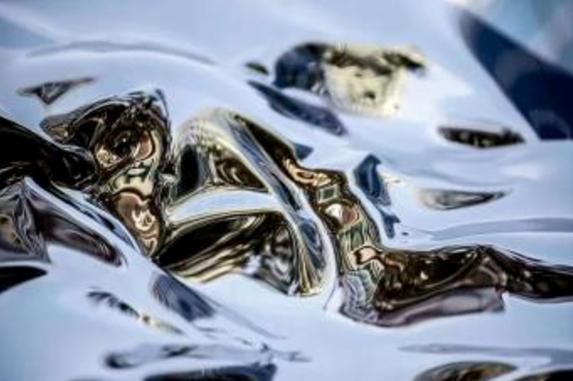 新锐 | 全球首创轻质液态金属欲撼动石墨烯霸主地位