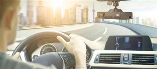 威盛发布双镜头行车记录仪,高效提升驾驶安全
