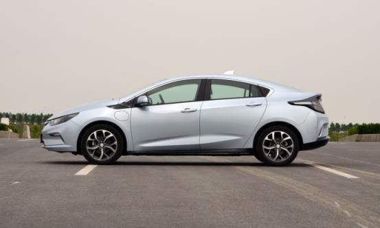 纯电、插电、增程式,三种新能源车的真面目到底是什么样的?