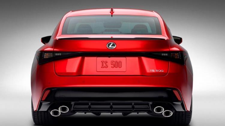 雷克萨斯IS 500 F,最大不同,既有性能,又兼顾油耗