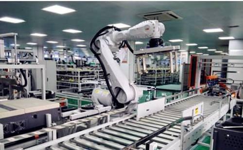 精度和便利性:机器人如何维持工作线以外的维护?