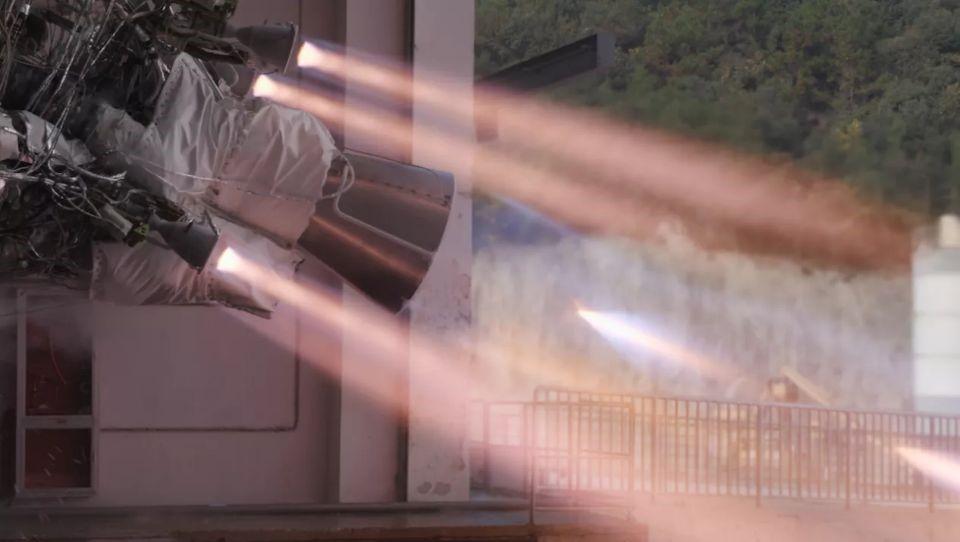 大族激光智能装备集团丨异种金属三维曲面全自动激光焊接解决方案