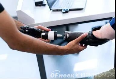 陈根:机器人外骨骼,或将成就无障碍行走
