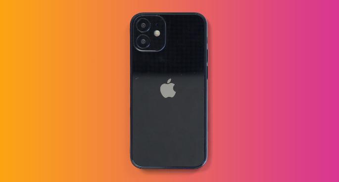 iPhone 12:64G内存,咱们再用一年!