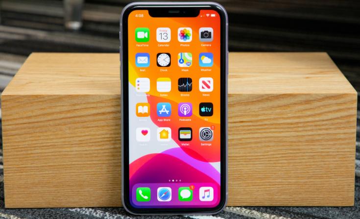 三星嘲讽iPhone 12:我们新机什么都有,特别是充电头!