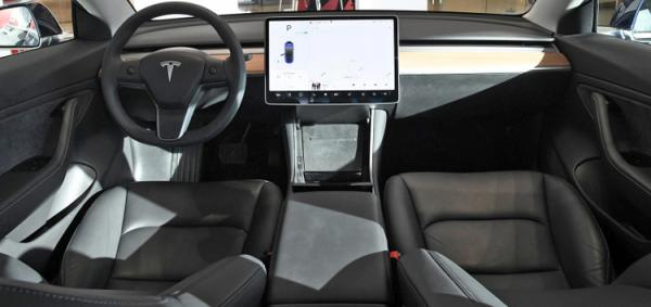 特斯拉Model 3会抢走奥迪、奔驰和宝马同价同级车份额吗?