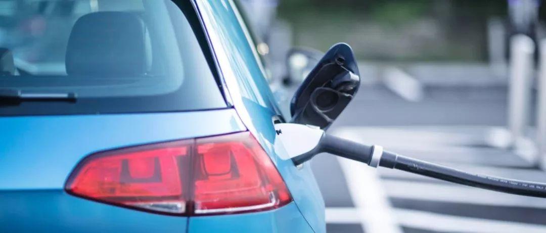 燃油車加油口有擺布兩派 電動汽車充電口分幾派?