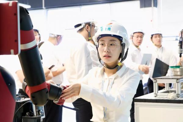 全球工业机器人增长迅猛,碧桂园800亿进军机器人产业