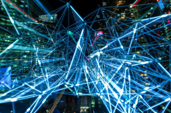 数据爆发性增长:英特尔以数据为核心的业务增长迅猛