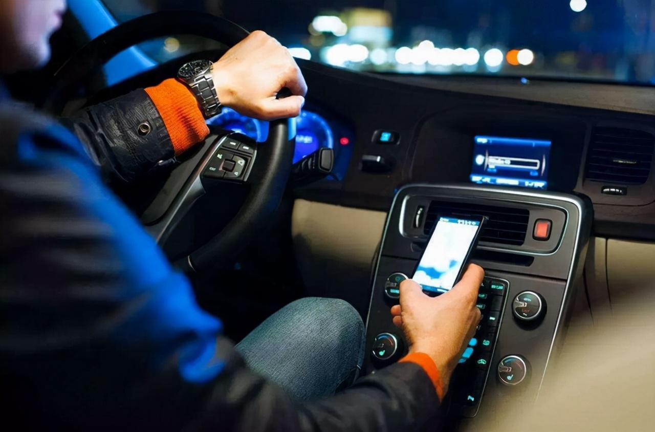 滴滴下架,业绩不降反升13%,且整个网约车市场被激活,大增10.7%