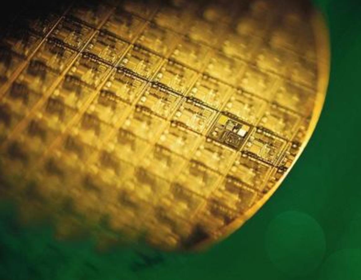 """禁令、缺芯""""唤醒""""中国芯片产业,8个月生产2400亿块,增长48%"""