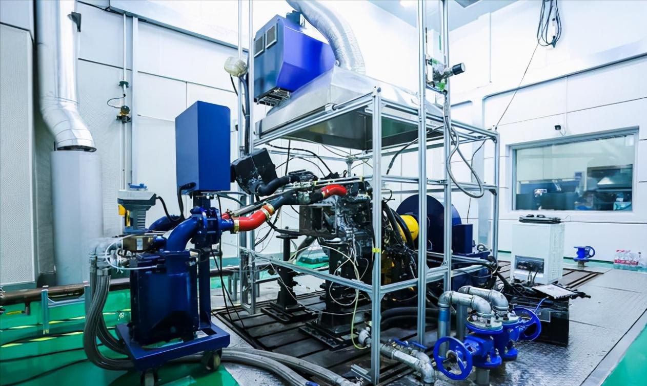 技术100%自研!国产氢气发动机成功点火,热效率44%实现零碳排放