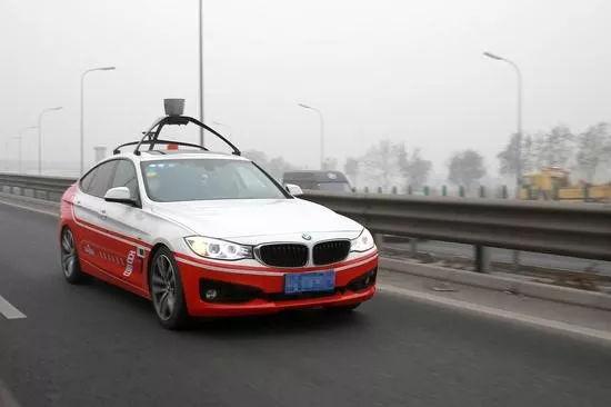自动驾驶上演了年末大戏 国内首例自动驾驶上高速又是百度Apollo