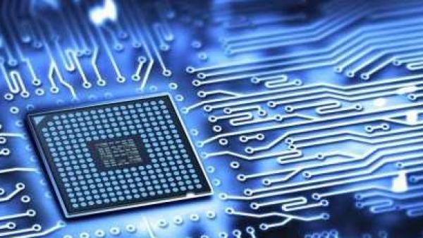 DRAM内存芯片跌跌不休,巨头们该调整策略了吗?