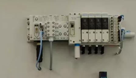 关于高压直流输电系统组成、应用及原理