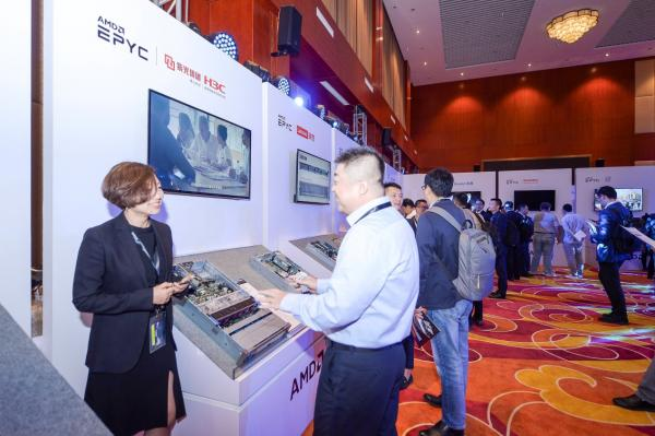 AMD CMO John Taylor专访:AMD正在创造历史