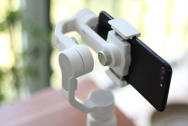 短视频拍摄神器:三轴防抖 智云SMOOTH 4手持稳定器体验