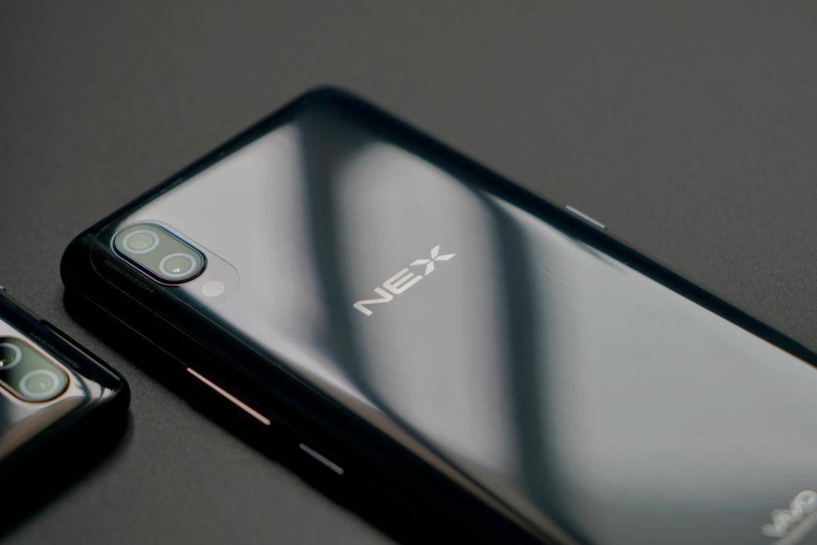 vivo NEX:一款价格与性能都颇具诚意的全面屏旗舰