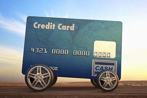 """站在""""十字路口"""",车贷行业未来如何走?"""