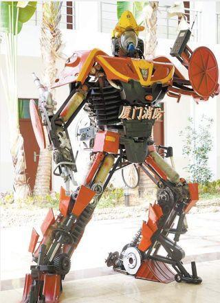 """十字路口惊现""""AI志愿者"""",机器人""""农民""""正在大举占领农田"""