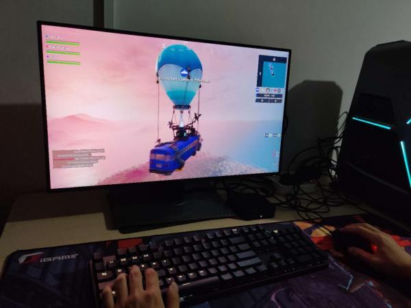 玩游戏如虎添翼,胜利随行,小鸡GM300双模电竞鼠标可以帮你