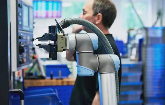 谷歌又双叒叕重组机器人业务