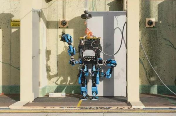 没错  谷歌又双叒叕重组机器人业务了!
