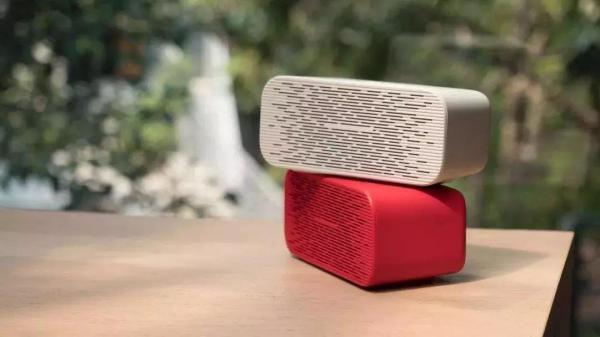 谷歌首款带屏智能音箱来袭,屏幕竟成第二波智能音箱之争的焦点?