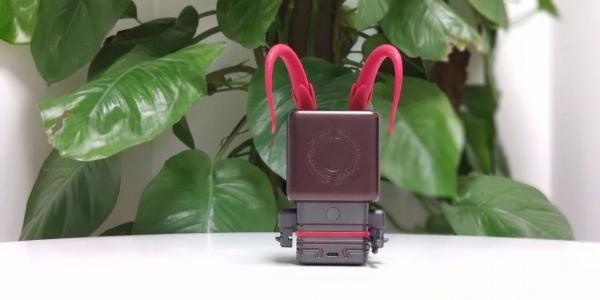 王者荣耀智能机器人开箱评测:旋转的吕布带你Carry全场!
