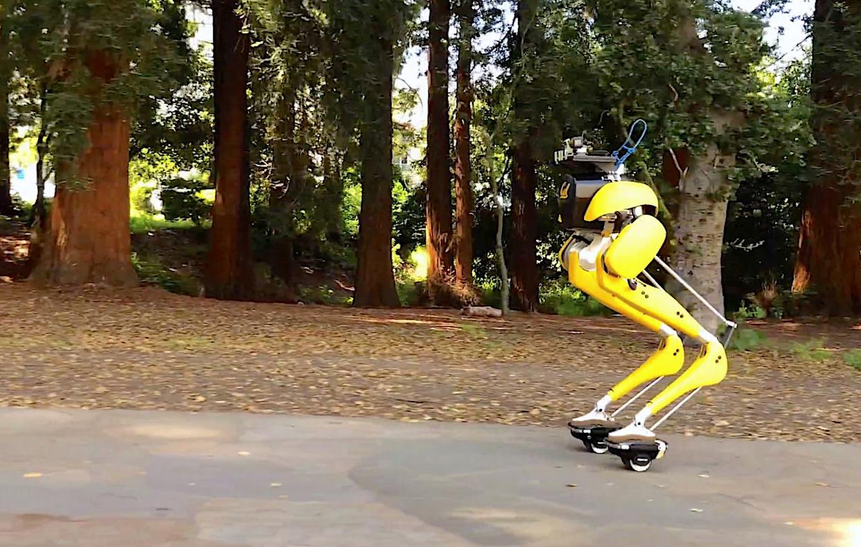 机器人玩漂移板,颠簸路段依然保持平衡