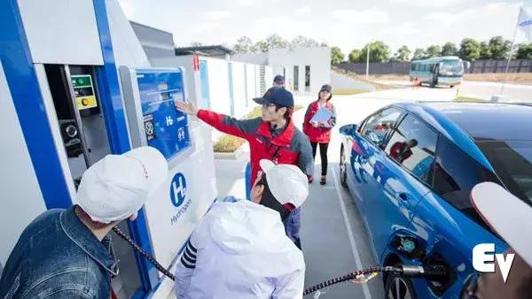 """突然火起来的氢燃料电池汽车,可不是特斯拉、蔚来的那种""""火"""""""