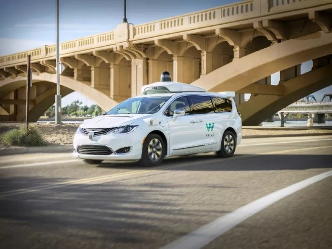 自动驾驶领头羊Waymo One运营满月,但需安全员启动并驾驶车辆?