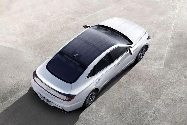 全球首款量産太陽能汽車韓國上市,一年多跑1300公裡